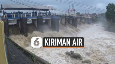 Warga kota Bogor dan Jakarta diimbau waspada dengan kiriman air dari wilayah atas. Bendung Katulampa berstatus siaga tiga  hari Jumat (19/2) pagi dengan debit air mengalir 138 ribu liter per detik.