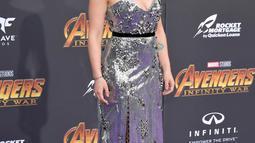 Saat menghadiri premier Avengers, Scarlett Johansson juga terlihat cantik.  (Kapanlagi.com/AFP)