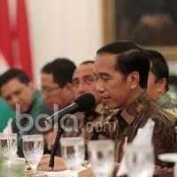 Pesan-pesan Presiden RI, Joko Widodo kepada para pemain Timnas Indonesia di Istana Negara, (19/12/2016). (Bola.com/Nicklas Hanoatubun)