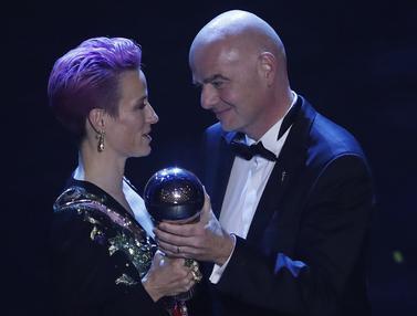 Tampil Seksi, Penyerang AS Sabet Pemain Wanita Terbaik FIFA 2019