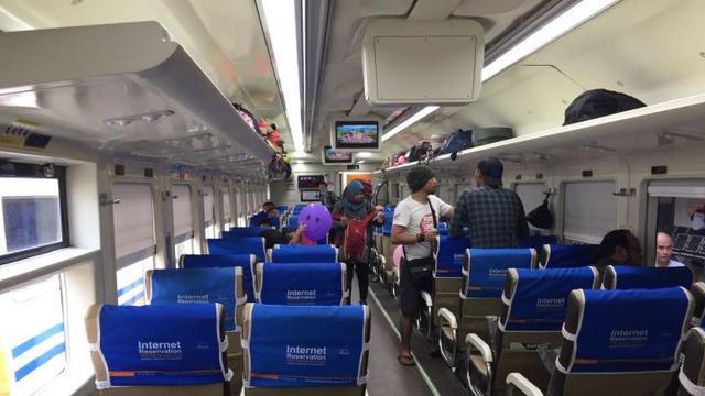 Jakarta Surabaya Naik Kereta Premium Berapa Tiketnya Bisnis