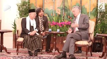 Cawapres nomor urut 1 Ma'ruf Amin menemui perdana menteri Singapura Lee Hsien Loong dalam kunjungannya ke Singapura.