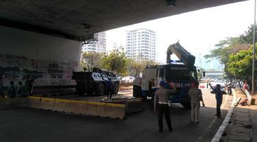 Pelantikan Anggota DPR/MPR, Polisi Masih Tutup Jalan Sekitar Senayan