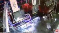 Seorang pria terhisaoo ke mesin pembersih mobil. Beruntung nyawanya masih selamat, meskipun dengan beberapa cedera.