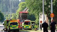 Ledakan keras menghantam dua bangunan apartemen di Kota Linkoping, Swedia, pada Jumat 7 Juni 2019 (AP/Jeppe Gustaf)
