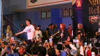 Politikus Partai Gerindra Rahayu Saraswati bernyanyi bersama grup musik religi, Sabyan. (Istimewa)