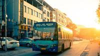 Ilustrasi bus. (Dok. Jerry Zhang/Unsplash/Tri Ayu Lutfiani)