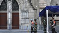 Sejumlah personel gabungan TNI-Polri disipakan untuk melakukan pengamanan di sejumlah gereja pada perayaan Paskah menyusul adanya serangkaian teror dalam sepekan terakhir, yakni di Gereja Katedral Makassar dan Mabes Polri.