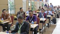 Wakil Ketua Basaria Panjaitan mengikuti tes psikologi di Pusdiklat Kemensetneg, Jakarta, Minggu (28/7/2019). Dalam tes psikologi ini diikuti oleh 104 peserta setelah melalui proses seleksi pada tes administrasi. (Liputan6.com/Herman Zakharia)
