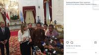 Ratu Maxima melakukan kunjungannya ke Istana Merdeka, Jakarta dengan pakaian yang begitu sederhana (instagram/ ferdinand.lahnstein)