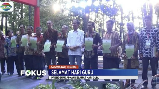 Menurut Presiden Jokowi, guru adalah pembangkit inspirasi dan peningkat kualitas sumber daya manusia.