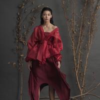 Sejumlah brand lokal hadirkan koleksi busana bernuansa merah untuk jadikan Imlek semakin semarak. (Foto: Maryalle Official/ Instagram)