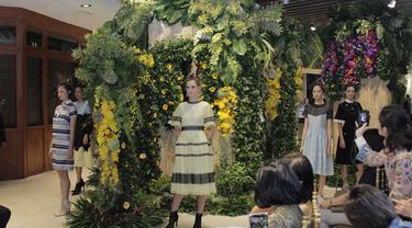 Koleksi Floral Sebastian Gunawan Hiasi Ritel di Grand Indonesia