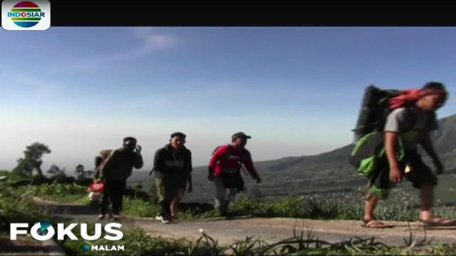 Para pendaki datang dari berbagai daerah, seperti Tangerang, Ponorogo, Surabaya, dan sejumlah kota lainnya.