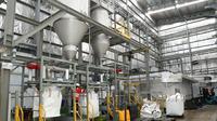Pabrik daur ulang botol plastik PET (Polyethylene Terephthalate) di kawasan Pasuruan Industrial Estate Rembang (PIER), Kecamatan Rembang, Kabupaten Pasuruan, Provinsi Jawa Timur.