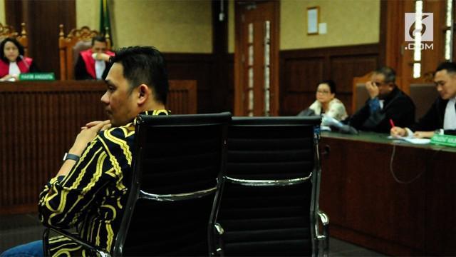 Farhat mengaku tahu hal tersebut juga dari koleganya, pengacara Elza Syarief.