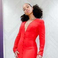 Alicia Keys tampil dengan natural makeup di Grammy Awards 2019 | Instagram.com/aliciakeys