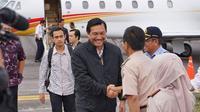 Menteri Koordinator Bidang Kemaritiman, Luhut Binsar Pandjaitan mendarat di Bandara Silangit, Sumatera Utara. (Kemenko Kemaritiman)