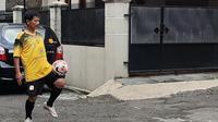 Pelatih Barito Putera, Djadjang Nurdjaman tetap menjaga kondisi saat kompetisi vakum. (Bola.com/Erwin Snaz)