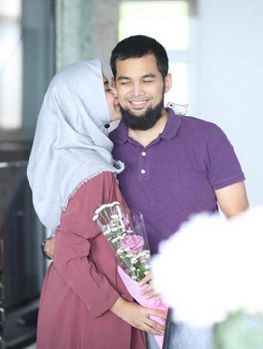 'Bapak Jenggot' merupakan panggilan sayang Shireen Sungkar kepada sang suami, Teuku Wisnu. (via instagram/@shireensungkar)