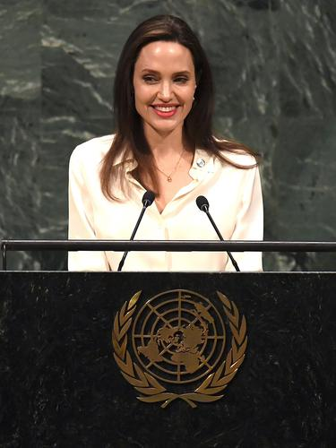 Pidato Angelina Jolie di PBB Mendorong Perempuan dalam Perdamaian Dunia