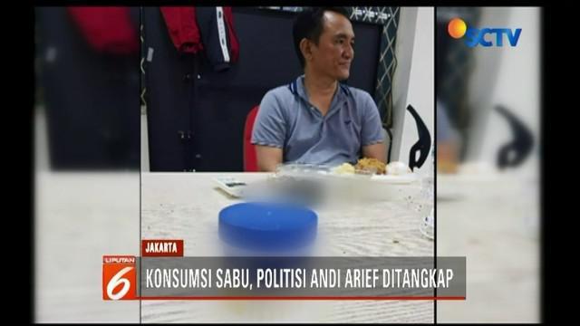 Politisi Partai Demokrat, Andi Arief, ditangkap karena mengonsumsi narkoba berupa sabu di kawasan Slipi, Minggu (3/3) malam. Kini, Andi tengah jalani pemeriksaan di BNN Cawang Jaktim.