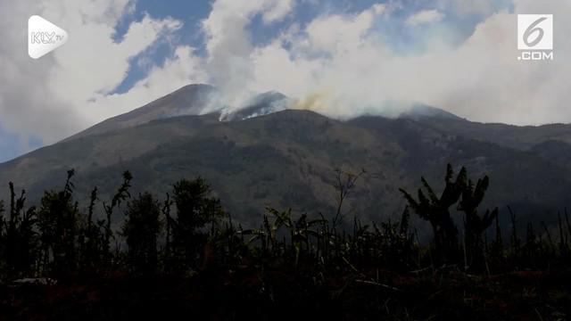 Kebakaran melanda hutan di Gunung Merbabu upaya pemadaman dilakukan oleh tim gabungan TNI, Polre, BPBD, dan relawan. Selain Manual pemadaman juga dilakukan menggunakan Helikopter