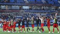 Para pemain Belgia merayakan kemenangan atas Inggris pada laga grup G Piala Dunia di Stadion Kaliningrad, Kaliningrad, Rabu (28/6/2018). Belgia menang 1-0 atas inggris. (AP/Hassan Ammar)