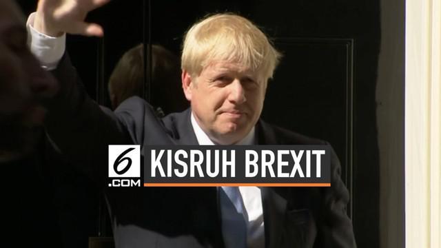 Boris Johnson resmi menjabat sebagai Perdana Menteri Inggris. Pada pidato pertamanya ia berjanji untuk menyelesaikan Brexit di pemerintahannya.