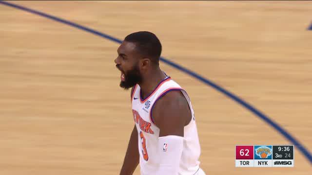 New York Knicks mengalahkan Toronto Raptors dengan skor 108-100 dalam lanjutan pertandingan NBA 2017-2018.