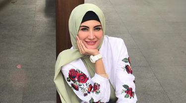 [Bintang] FOTO: Mendapat Hidayah, 8 Artis Indonesia Ini Jadi Mualaf
