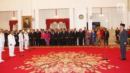 Presiden Jokowi melantik gubernur dan wakil gubernur hasil Pilkada 2018 di Istana Negara, Jakarta, Rabu (5/9). Mereka yang dilantik adalah gubernur dan wakil gubernur Kalbar, Sulteng, Sulsel, Papua, Jabar, Jateng, Sumut, NTT, Bali. (Liputan6.com/HO/Wan)