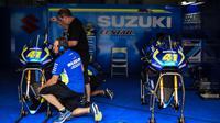 Bos Yamaha Tech 3, Herve Poncharal, menilai permasalahan Suzuki Ecstar musim ini bukan pada motor, melainkan kualitas pebalap. (AFP/Moh Rafsan)