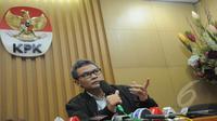 Deputi Pencegahan KPK, Johan Budi saat konferensi pers di Kantor KPK, Jakarta, Kamis (5/2/2015). (Liputan6.com/Herman Zakharia)