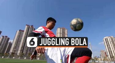 juggling bola