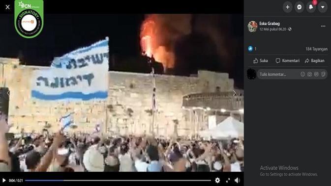 Gambar Tangkapan Layar Video yang Diklaim Masjid Al Aqsa Dibakar (sumber: Facebook)