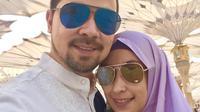 Keromantisan Sultan Djorghi dan Annisa Trihapsari kerap membuat para warganet menjadi iri. Meskipun begitu, sebagai besar warganet mendoakan agar pasangan ini tetap langgeng. (Foto: instagram.com/djorghisultan)