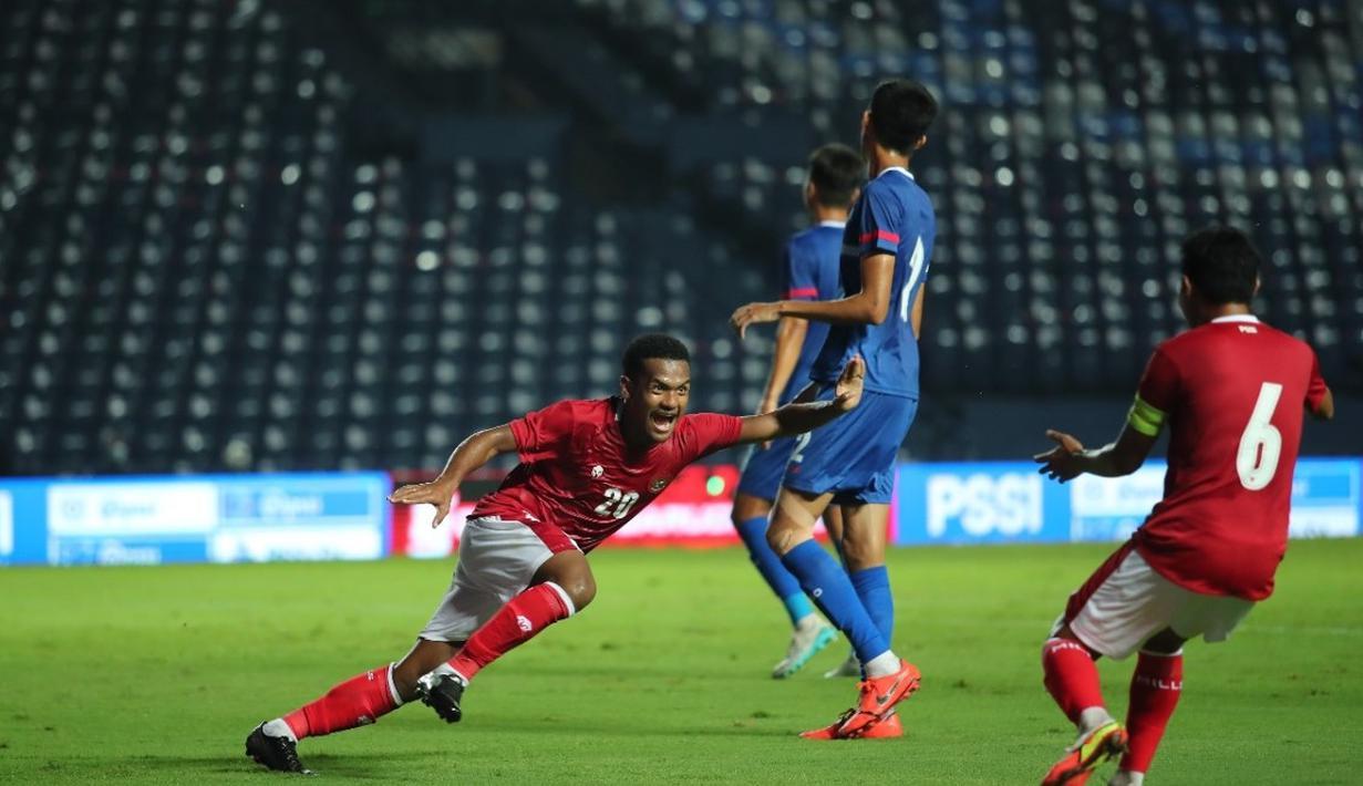 Usai Timnas Indonesia mengalahkan Chinese Taipei dengan agregat 5-1 dalam 2 leg pada babak play-off Kualifikasi Piala Asia 2023, muncul 3 nama baru yang menjadi bintang dalam dua laga tersebut. Mereka dipercaya pelatih Shin Tae-yong usai tampil apik di BRI Liga 1. (Dok. PSSI)