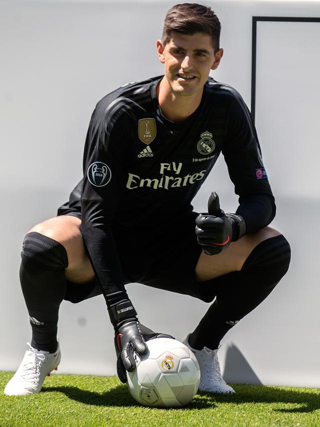 new style b99c4 ea99f Resmi Berlabuh di Real Madrid, Courtois Bahagia Wujudkan ...