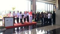 Presiden Jokowi meresmikan Hotel Inaya Bay, Labuan Bajo, Senin (20/1/2020). (Liputan6.com/Lisza Egeham)