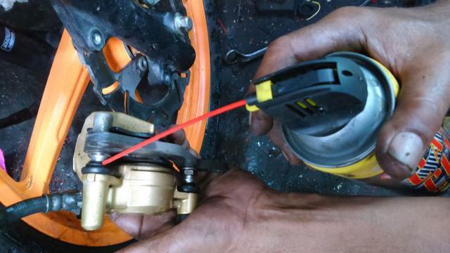 Cara Mudah Bersihkan Master Rem Cakram Motor Otomotif Liputan6 Com