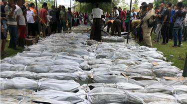Penemuan Jenazah Korban Tsunami Aceh