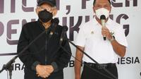 Wapres Republik Indonesia Ma'ruf Amin (kiri) bersama Menpora Zainudin Amali memberikan keterangan pers pada proses vaksinasi untuk atlet, Jumat (27/02/2021). (Dokumentasi Kemenpora)