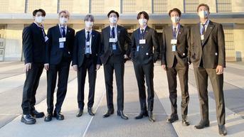 Pin di Setelan Jas BTS Saat Menghadiri Sidang PBB Curi Perhatian, Apa Itu?