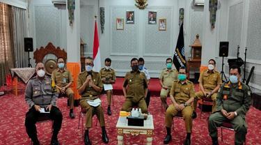 Wali Kota Azis Larang Warga Luar Masuk Kota Cirebon