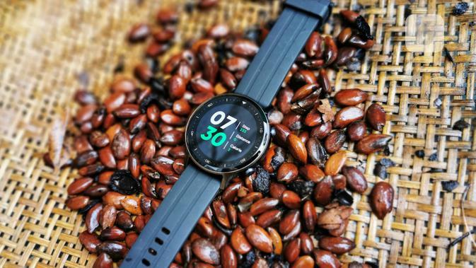 Unboxing Realme Watch S: Smartwatch Sejutaan Dukung 16 Jenis Olahraga dengan Baterai Tahan Lama