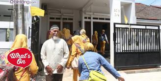 Pelayat mulai mendatangi rumah duka Renita Sukardi.