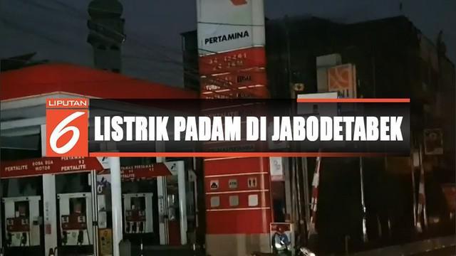 Yayasan Lembaga Konsumen Indonesia menyesalkan padamnya listrik di sebagian pulau Jawa hari Minggu kemarin. YLKI meminta +PLN memberikan kompensasi kepada pelaku usaha dan warga atas kerugian yang mereka derita.
