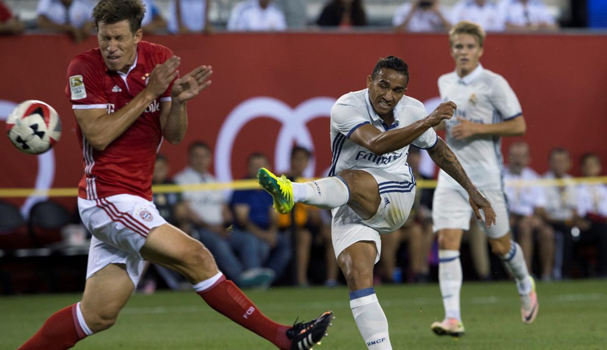 Real Madrid meraih kemenangan 1-0 atas Bayern Munchen pada laga lanjutan International Champions Cup 2016 di MetLife Stadium, New Jersey, AS, Kamis (4/8/2016) pagi WIB. Gol tunggal Los Blancos disarangkan Danilo pada menit ke-79. (AFP/Don Emmert)