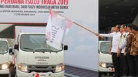Presiden Jokowi melepas ekspor 6.000 unit Isuzu Traga ke Filipina dari Pabrik PT Isuzu Astra Motor Indonesia (IAMI) di Karawang, Jawa Barat, Kamis (12/12/2019). Dok